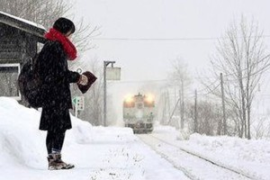 Remote-train-station-in-japan-remains-open-so-student-can-go-to-school